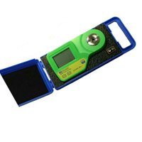 Milwaukee MA885-BOX Digital Refractometer for Wine & Grape Product Measurements