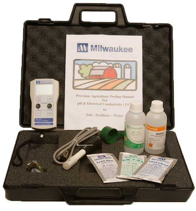 Milwaukee AG900 Standard Portable pH/Conductivity/TDS Combination Meter