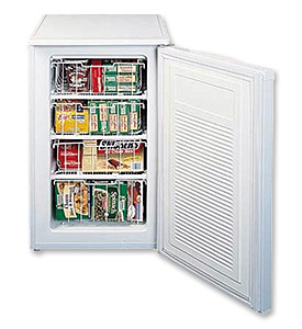 1 Photo of Shallow Depth Signature Series Sottile Outdoor Refrigerator - Solid Stainless Steel Door - Right Hinge