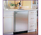 Marvel 61HK-BS-F Built-in Kegerator with Black Cabinet & Stainless Steel Door
